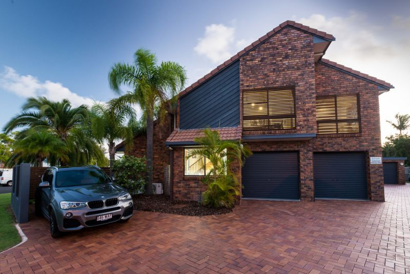 Mooloolaba - Architecturally designed 2 bedroom townhouse