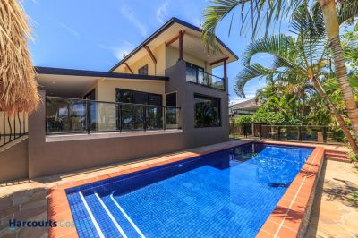 1/4 Acre Tropical Hideaway - Price Slashed !