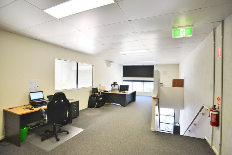 AFFORDABLE TILT PANEL WAREHOUSE WITH OFFICE IN MEADOWBROOK - 181 SQM*