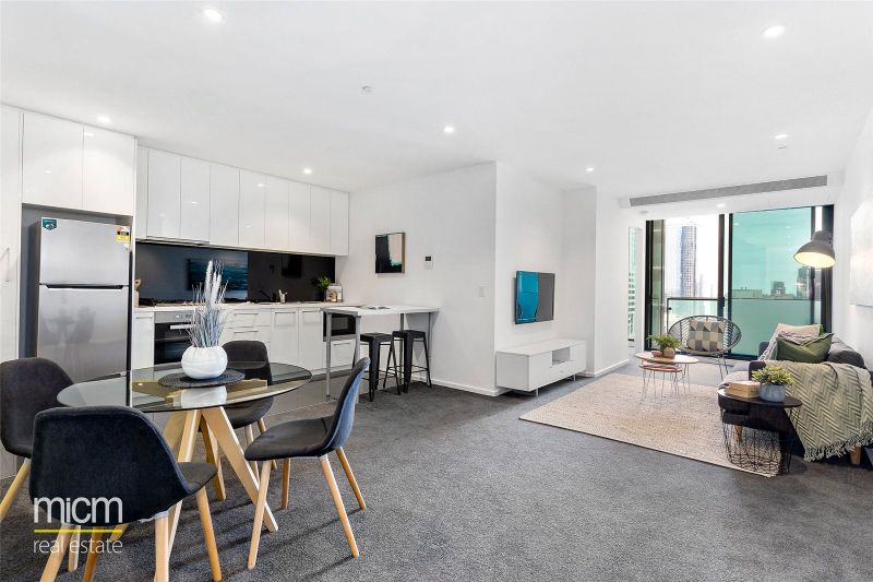 Australis: Fabulous Two Bedroom Apartment Awaits!