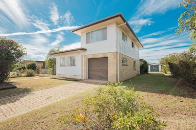 TRI-LEVEL HOME ON 1,024M2 BLOCK, HUGE SIDE ACCESS + 3 CAR ACCOM!