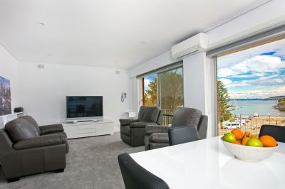 Furnished Three Bed Apartment Opposite Little Manly Beach
