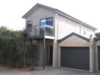 Townhouse In A Prime Location!