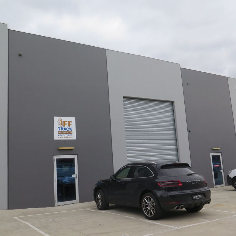 MODERN OFFICE WAREHOUSE IN SUPERB LOCATION START YOUR BUSINESS HERE!