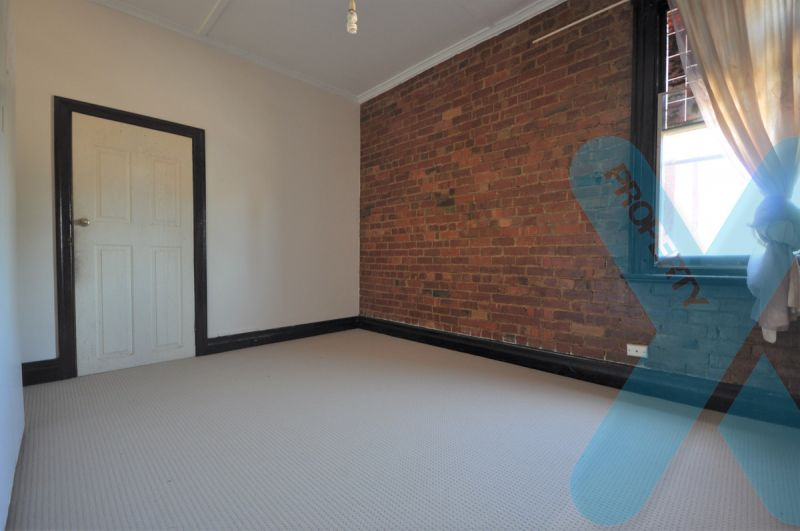 6-7 Bedroom- Ideal for Office, Retail or Residential
