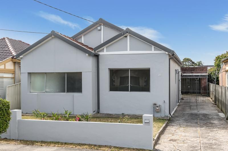 Spacious 3 Bedroom House on 417sqm Block of Land