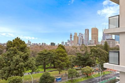 The Eastbourne - Two-bedroom Apartment with Fitzroy Garden & CDB Views