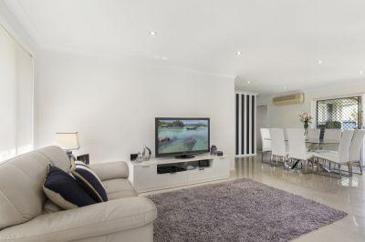Single Level Villa  Renovated to perfection
