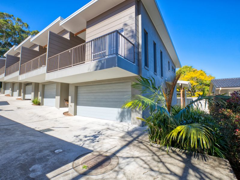 SOLD BY EMILY MCILWRAITH - 0413 942 858