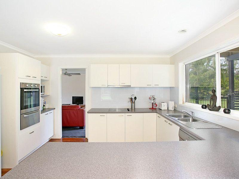 4 Belleden Place, Cooroy QLD 4563
