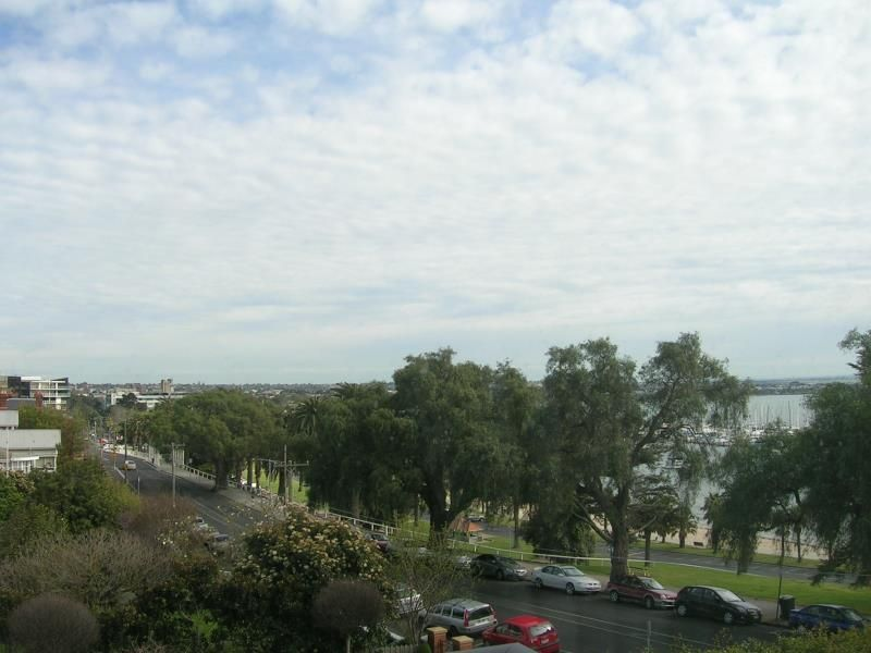 10/50 Eastern Beach Road Geelong