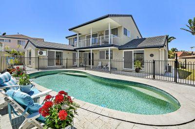 Superb Property Positioned in Quiet Cul-De-Sac