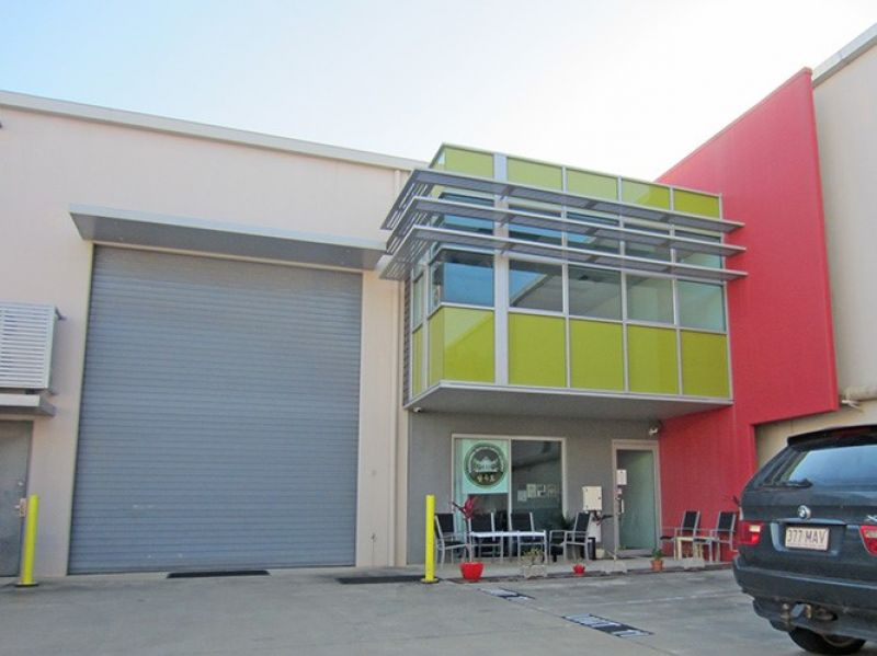 Tilt Panel Warehouse in Secure Complex