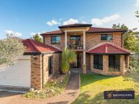 WELL APPOINTED LARGE FAMILY HOME LOVELY LOCATION !