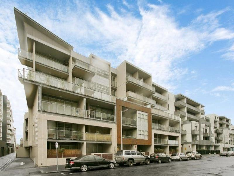 Port Melbourne - Stunning Two Bedroom Apartment in a Fabulous Location!