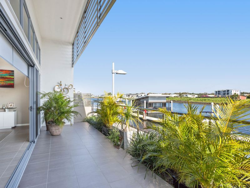 Stunning single level waterfront living