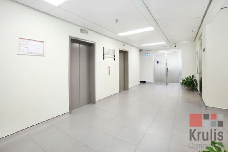 OPEN PLAN, NORTH FACING OFFICE - GREAT NATURAL LIGHT