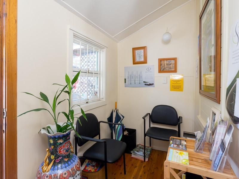 Centrally Located Cottage Suit Allied Health