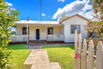 DELIGHTFUL CHARACTER HOME IN EAST BUNBURY