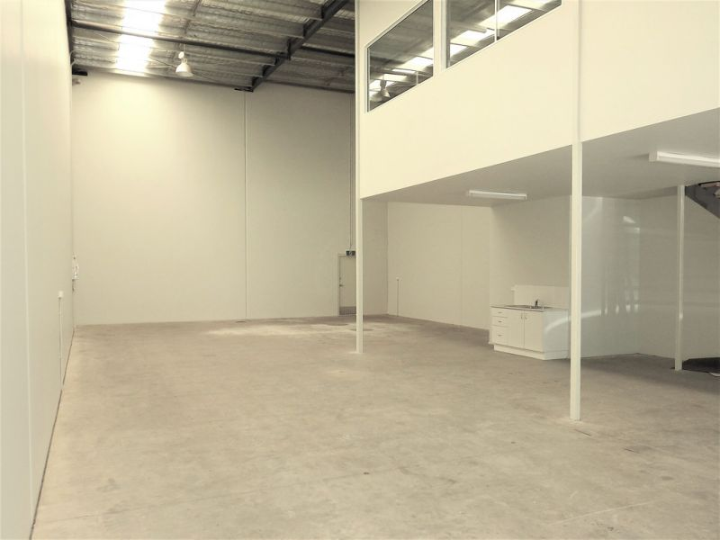258sqm* Tilt panel Warehouse/Office in Sought After Location