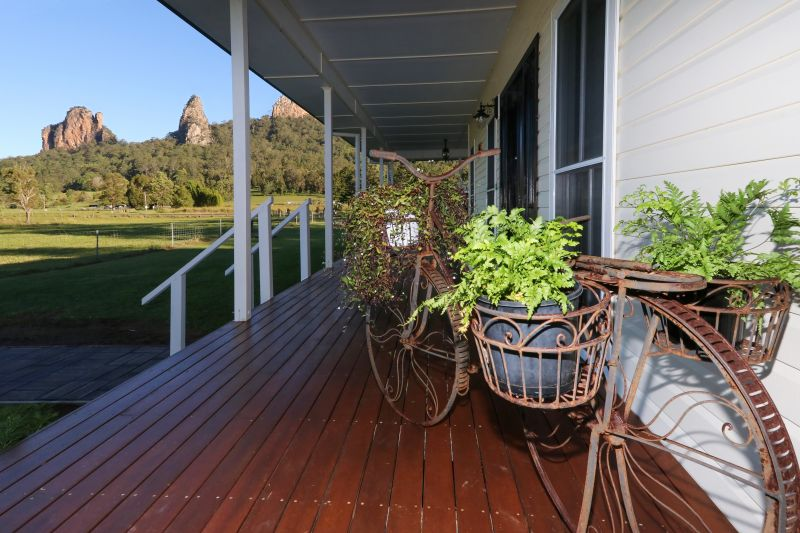 FALL IN LOVE WITH THIS CONTEMPORARY NIMBIN QUEENSLANDER