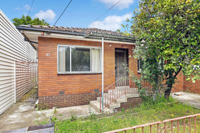 Sound and solid 3 Bed brick veneer home situated in one of Seddon's wideset tree lined streets.