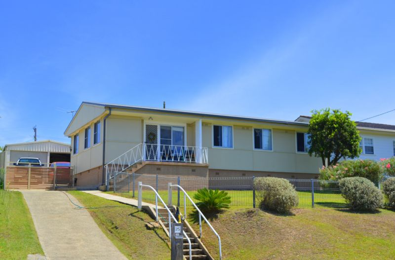 4 BEDROOM HOME/FULLY FENCED