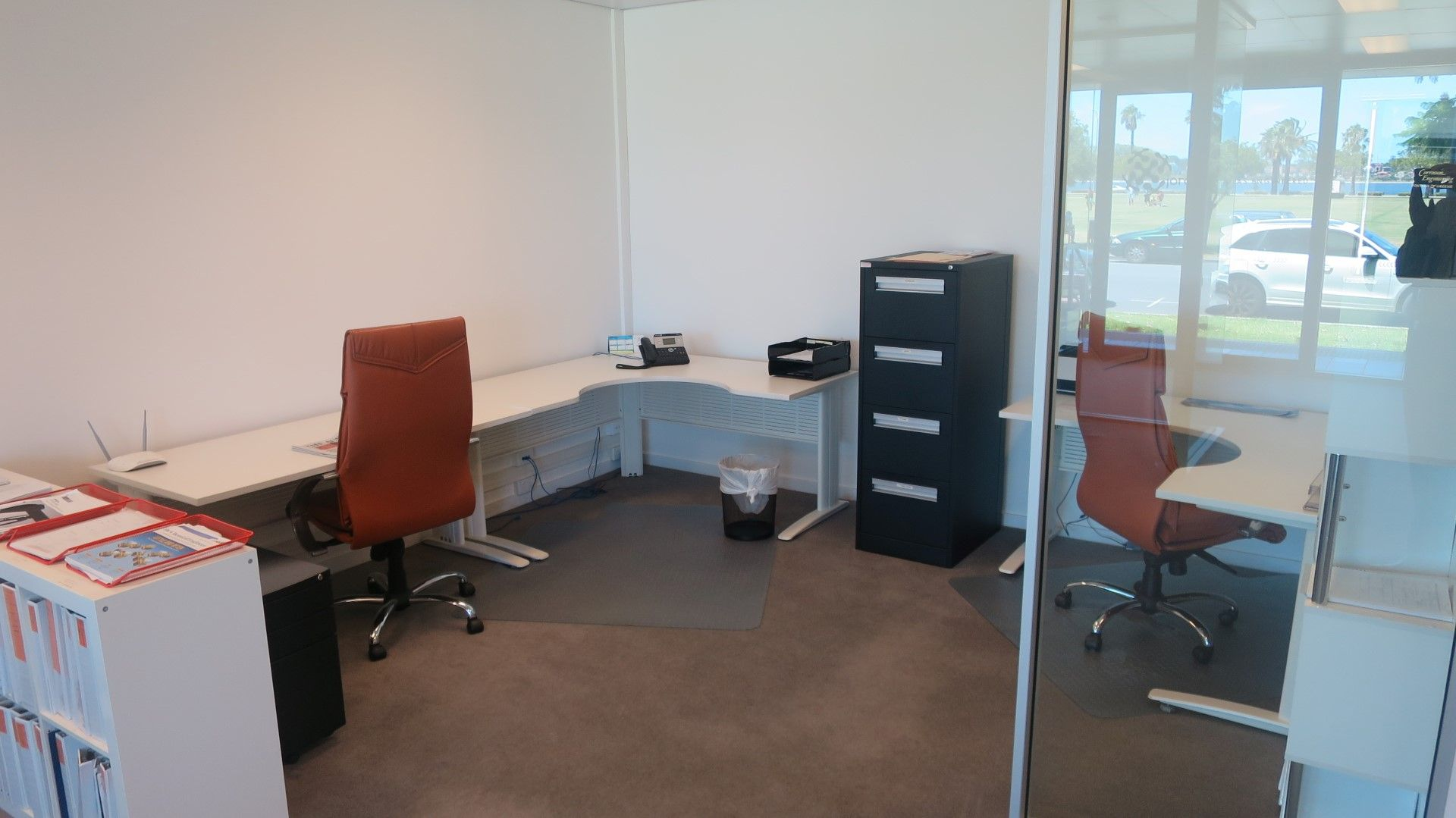PERTH'S BEST CBD / RIVERFRONT SMALL OFFICE!