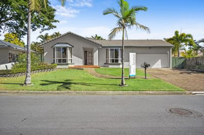 Spacious 4 Bedroom Family Home with Solar Power!!