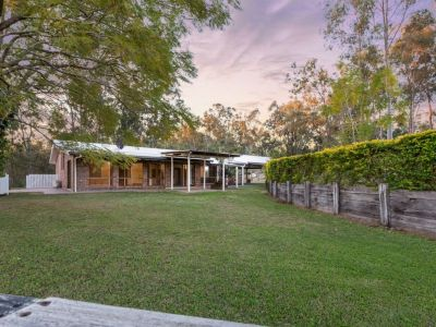 4 BEDROOM HOME IN IDYLLIC SETTING COMPLETE WITH A POOL