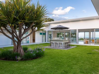 OCEAN VIEWS FROM SLEEK CONTEMPORARY BUILD BESET BY NATURE - CLOSE TO GOLD COAST'S BEST SCHOOLS