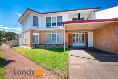 Beautifully Presented Ground Floor Home In Glenelg North