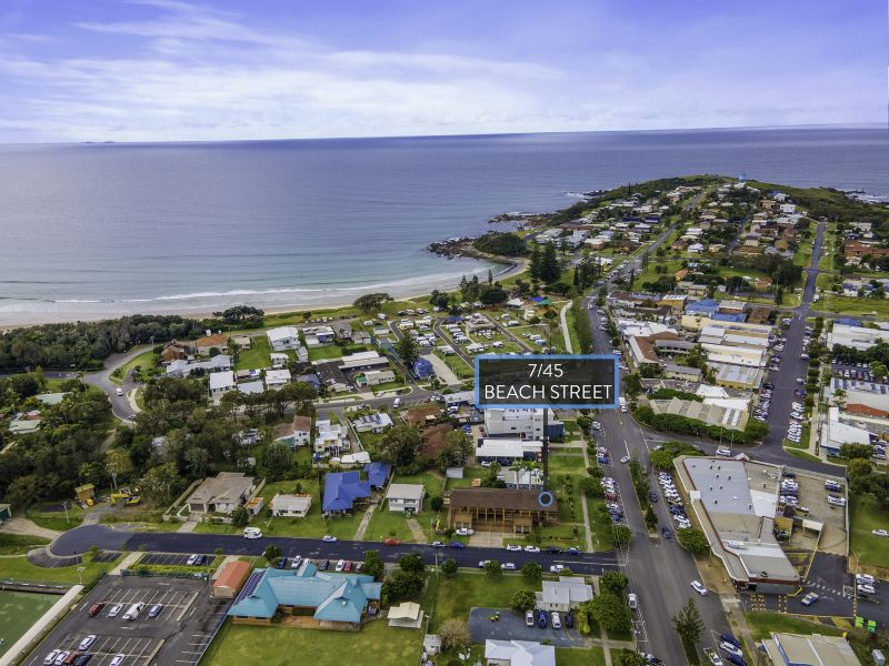 Beach Street Bliss is situated in amongst the heart of Woolgoolga