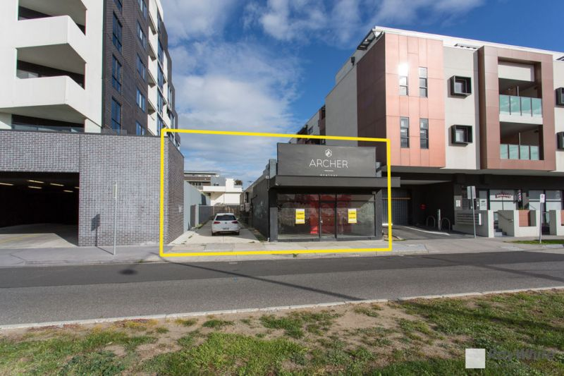 Prime Retail Building With Outstanding Exposure - Rental Recently Discounted