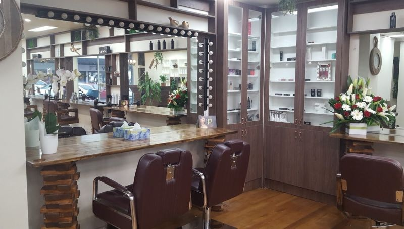 HAIR AND BEAUTY SALON – SELLING UNDER SET-UP COST