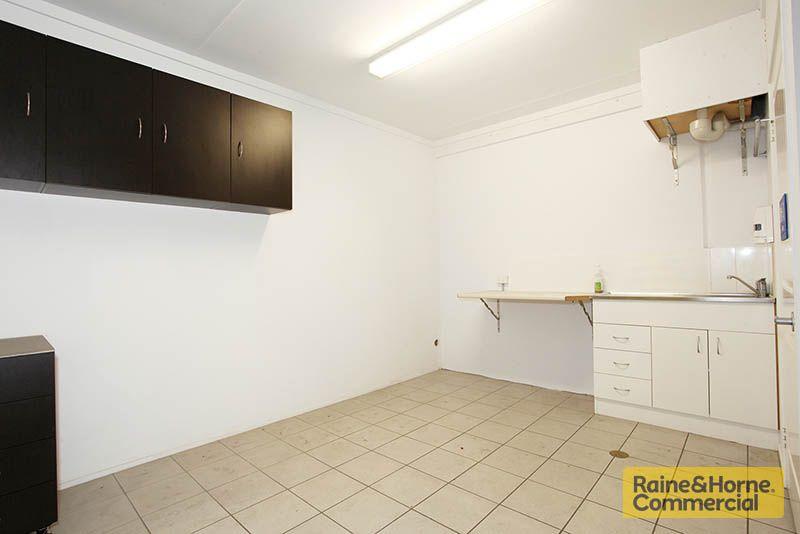 395sqm Quality Duplex Unit with Features Galore
