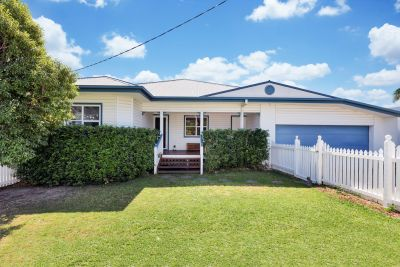 Stunning re-furbished 1958 Queenslander!