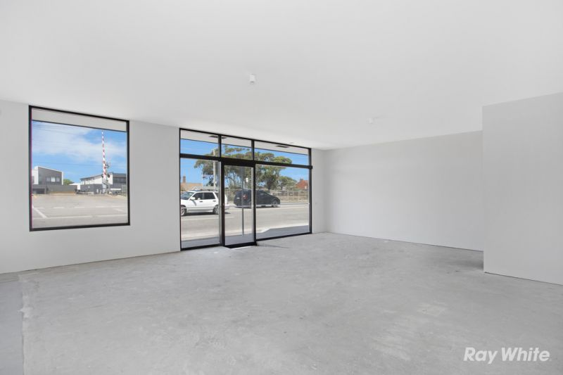 BRAND-NEW RETAIL / OFFICE PREMISES WITH  NEPEAN HWY FRONTAGE