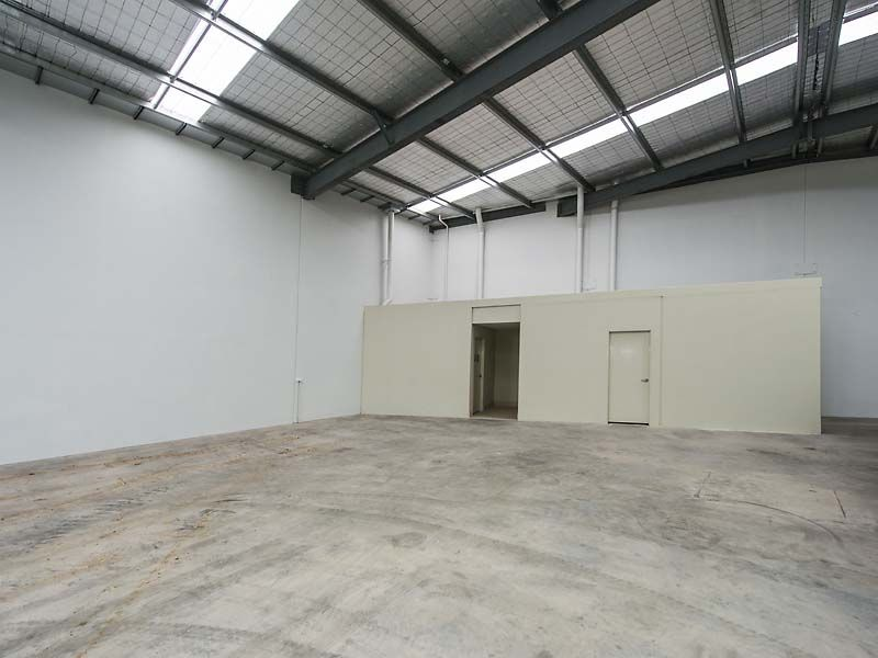 WAREHOUSE FOR LEASE IN MIDVALE