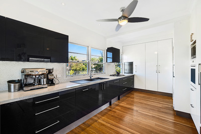 Charming beachside property on 810 M2 Double block