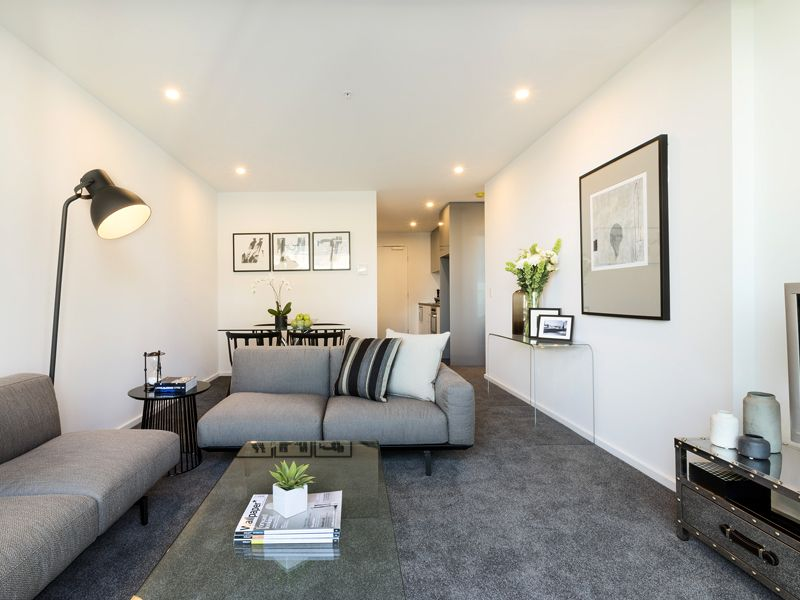 Brightly Lit and Spacious One Bedroom in the Heart of Southbank!