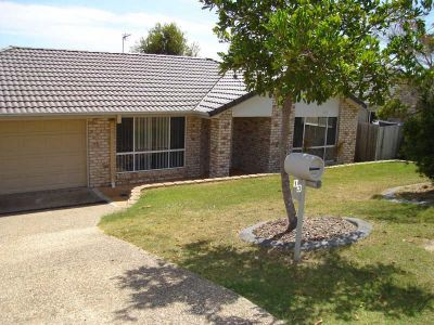 4 BEDROOM, TWO BATHROOM FAMILY HOME CLOSE TO SCHOOLS