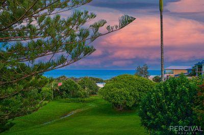 An Ocean Outlook Minutes' Walk from the Beach