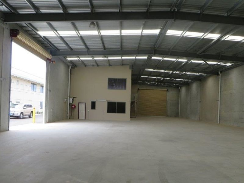 RECENTLY CONSTRUCTED HIGH QUALITY OFFICE/WAREHOUSE