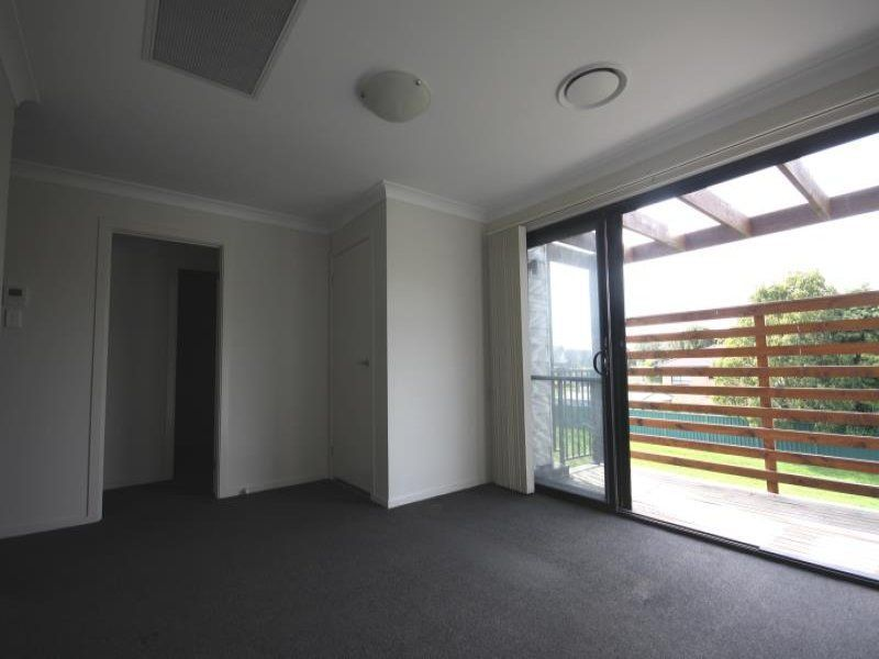 2/19 West Cranston Avenue, Singleton