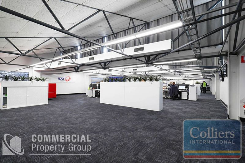 CORPORATE HQ -  AREAS FROM 6,414m2 - 10,421m² ON 20,520m² SITE