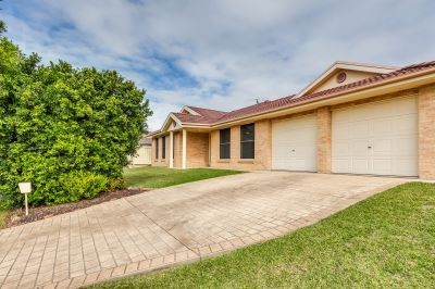 8 Featherwood Place, Thornton