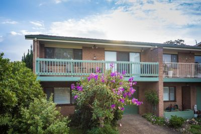 Immaculate Townhouse close to beach