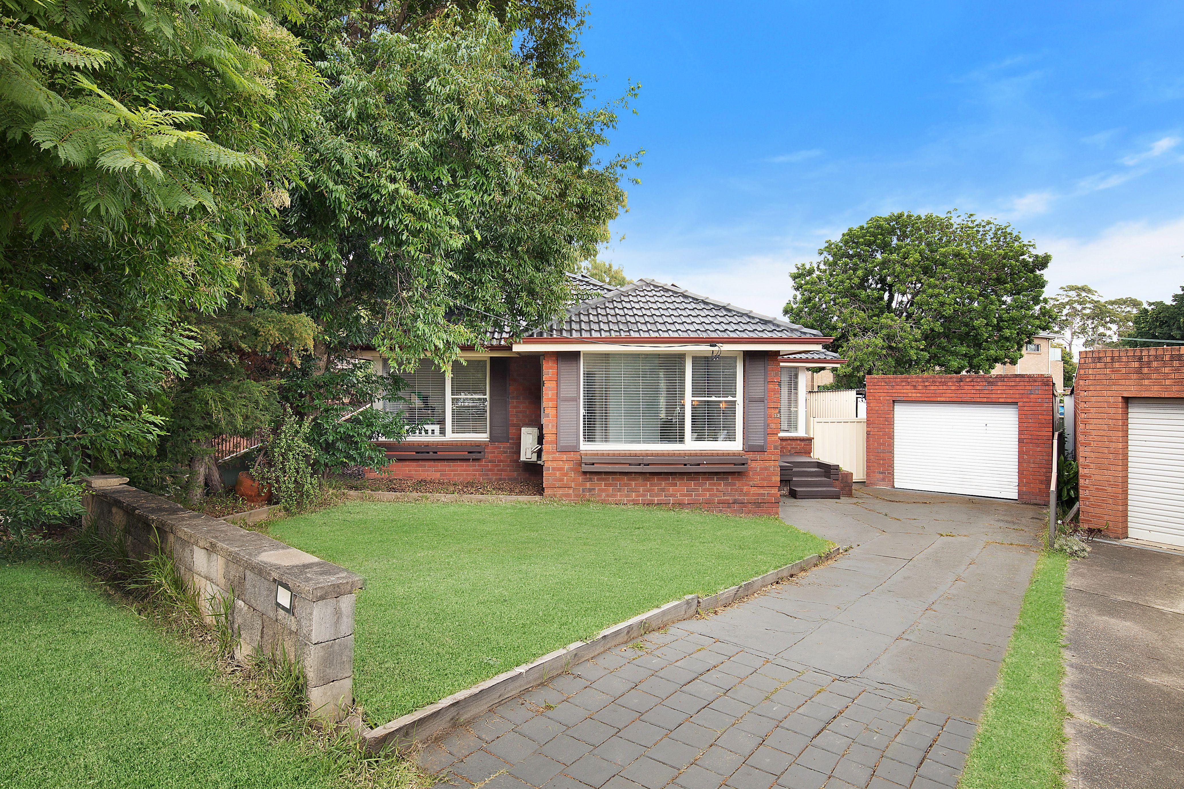 13 Bradley Crescent, Wiley Park NSW 2195