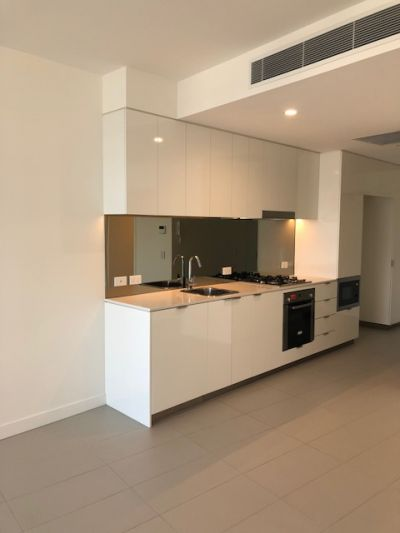 Modern 2 Bed Unit in heart of Newstead